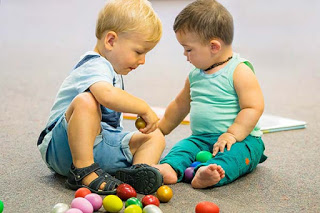 Toddlers prefer winners, but avoid those who win by force