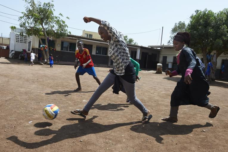 Participation in sport can improve children's learning and skills development, new Barça Foundation and UNICEF report finds